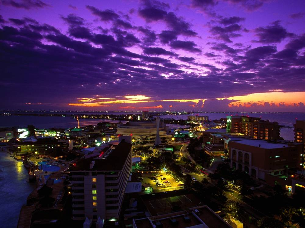 Cancun_at_Twilight,_Mexico
