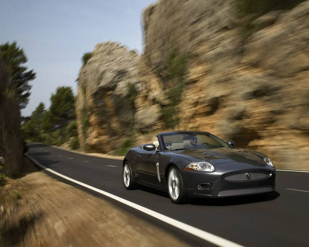 Wallpapers-Jaguar-XKR-front1-1280x1024